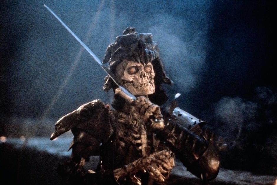 Скачать через торрент фильм Зловещие Мертвецы 2